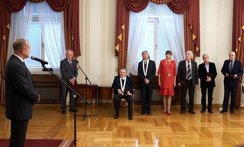 "Президентът Румен Радев удостои в Гербовата зала на ""Дондуков"" 2"