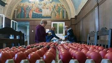 В Бачковския манастир боядисаха над 5000 яйца