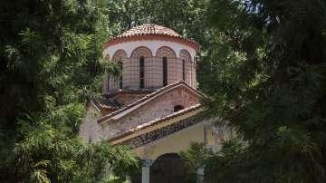 До няколко дни отварят църквата Свети Архангели в Бачковския манастир
