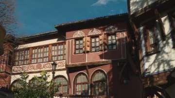 Експерти обследват Балабановата къща в Стария Пловдив заради напукване