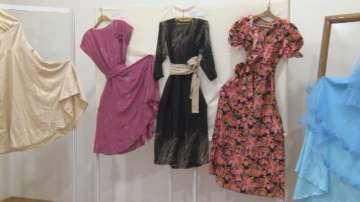 Експозиция на старинни бални рокли се откри в Габрово
