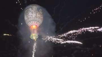 Въздушен спектакъл с балони в Мианмар