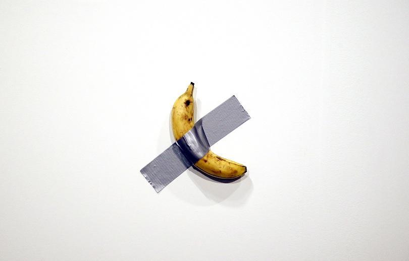 Художник изяде банана от арт-инсталация на стойност 120 000 долара.