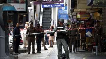 Трима души са ранени при серия от експлозии в Банкок