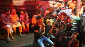 10 000 души в Бангладеш останаха без дом, след като пожар изпепели жилищата им