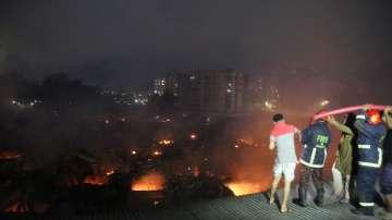 Най-малко 10 души загинаха при пожар в Бангладеш