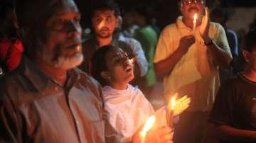Почитат паметта на жертвите на заложническата криза в Дака