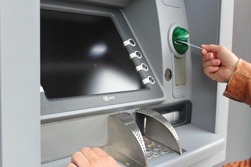 В последните месеци банковите такси отбелязаха осезаем ръст. Клиентите на