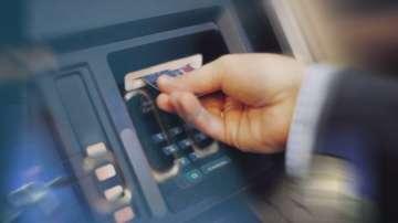 Българи ударили банковата сметка на Парис Хилтън