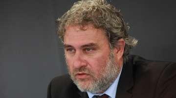 Министър Банов поиска оставката на директора на НМУ Любомир Пипков
