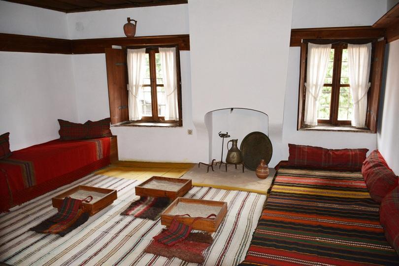 снимка 2 Къщата-музей Неофит Рилски в Банско разказва за първия новобългарски учител