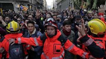 Бурни протести заради изнесено заседание на испанското правителство в Барселона