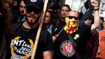 Протестен марш в Барселона срещу независимост на Каталуния