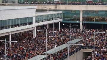 Терминал 1 на летището в Барселона е блокиран заради протести