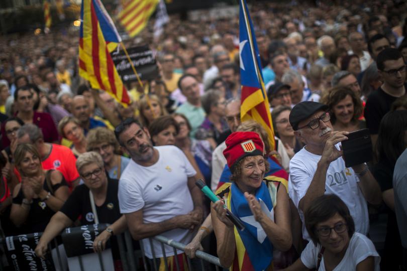 Хиляди каталунци се включиха в протест, отбелязващ годишнината от една