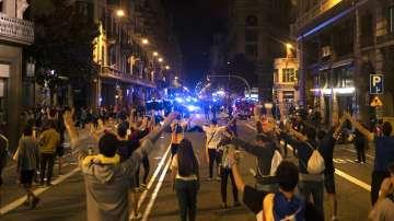 Сблъсъци между полицията и протестиращи в Барселона