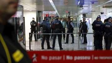 Фалшива бомбена заплаха е причина за евакуацията на влаковете в Барселона
