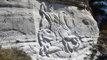 Уникален барелеф на Св. Георги край Елешница
