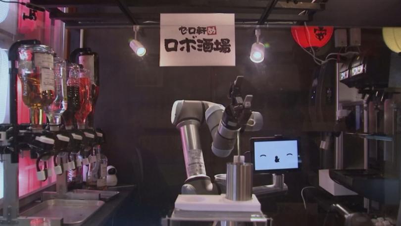 Могат ли барманите да бъдат заменени от роботи? В Япония