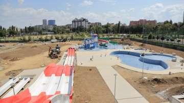 Фандъкова инспектира строежа на аквапарк Възраждане