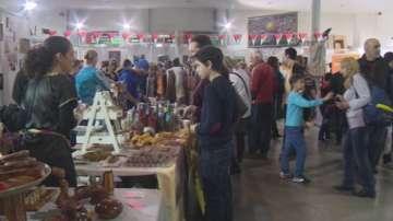 Коледен базар, организиран от Международния женски клуб в София