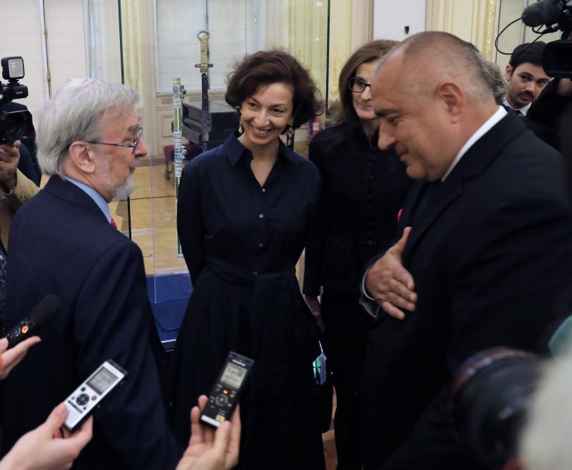 снимка 1 Премиерът Борисов посети изложбата Мечът на хан Кубрат