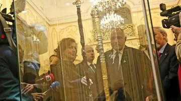 Премиерът Борисов посети изложбата Мечът на хан Кубрат