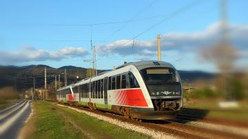 Осем деца са пострадали от опасни селфита върху влакове на БДЖ за две години