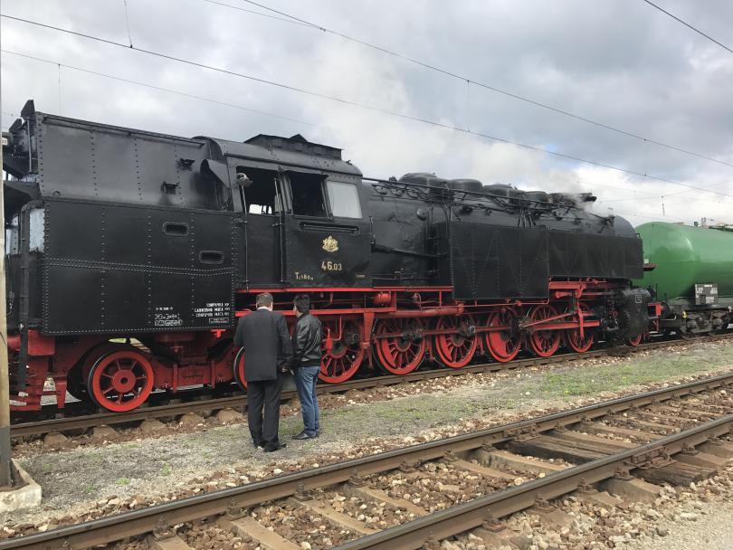 снимка 4 Уникално пътешествие с парния локомотив Баба Меца и царските вагони