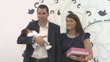 Изписаха бебето на нашите колеги Илия Илиев и Мина Пенкова