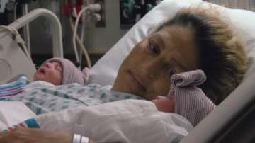 Близнаци се родиха в различен ден и година