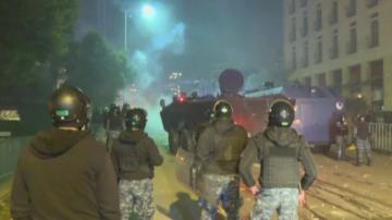 Десетки ранени при сблъсъци между демонстранти и полиция в Бейрут