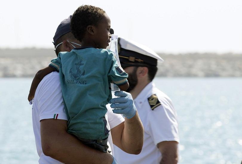 испания португалия също приемат мигранти спасените 450