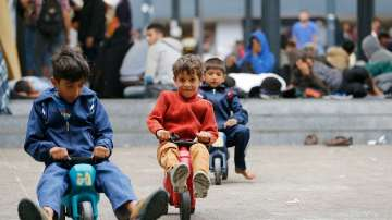 По две деца-бежанци губят живота си на ден в Средиземно море