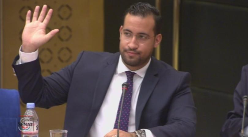 Френска сенатска комисия разпита уволнен служител на Елисейския дворец. Около