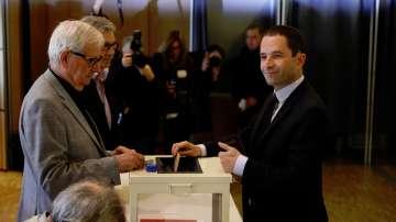Бернар Казньов и Беноа Амон призоваха французите да гласуват за Макрон