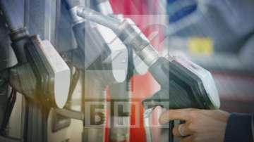 Защо се покачва цената на бензина?