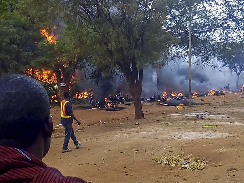 Снимка: Десетки загинали и ранени след експлозия на бензиновоз в Танзания