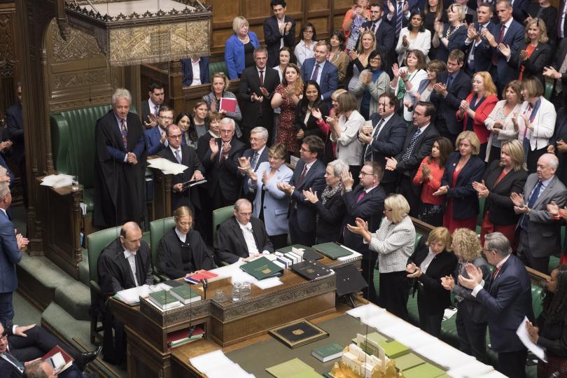 снимка 1 Джон Бъркоу се оттегля от поста на председател на парламента във Великобритания