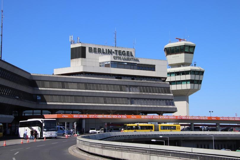 Самолет се приземи при турбуленция на летището в Тегел в