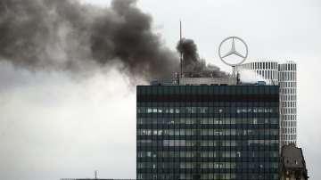 Запали се емблематична сграда в Берлин