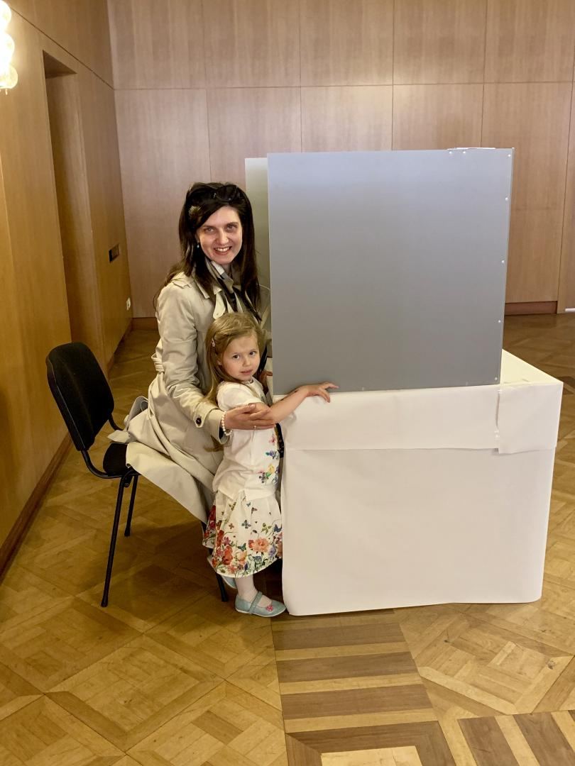 снимка 2 Умерена активност и гласуване без нарушения в избирателната секция в Берлин