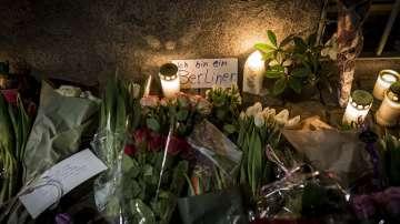 Атентаторът от Берлин е на свобода, полицейското присъствие в града е засилено