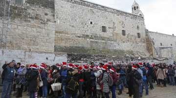 Десетки хиляди християни се събраха за Коледа във Витлеем