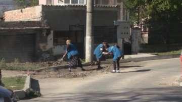 Безработни помагат на пострадалите от наводненията в Бургаско