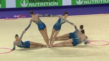 Българските гимнастички взеха бронза с обръчи и бухалки и го посветиха на Цвети