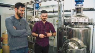 Двама българи развиват успешен бизнес с индустриален коноп в Румъния