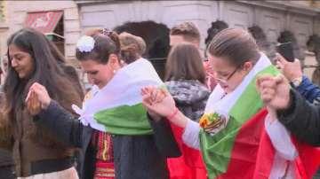 За седма поредна година най-голямото хоро извън България се изви в Брюксел