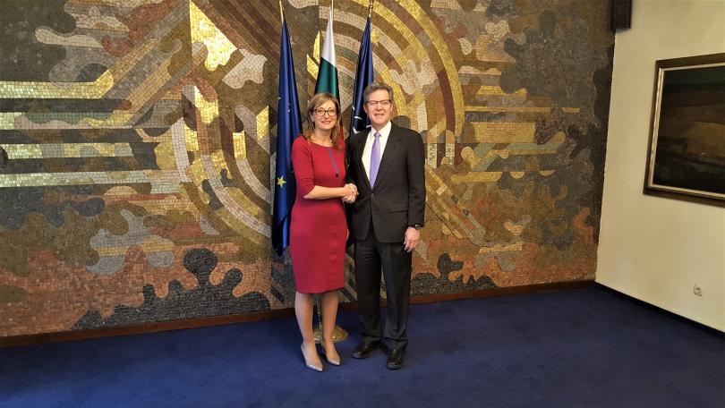Чрез помощите си за развитие България и САЩ могат да
