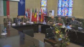 Видеоконферентна връзка с българските военни зад граница